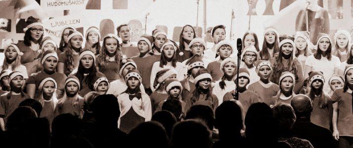 Pevci OŠ Vitanje na koncertu Vitanjčani Vitanjčanom 2017